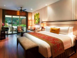 Stay Connected in Shangri-la Hotel from SGD 380